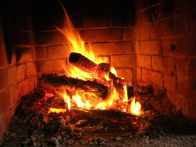 Przez cały czas w warsztatach towarzyszył nam ogień, dodając sił i skłaniając do chwil refleksji
