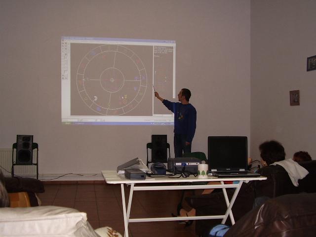 W ramach warsztatu odbyła się też prezentacja programu do obliczeń astrologicznych - Urania.
